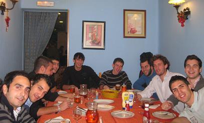 20121202195034-20110608233852-cena-equipo.jpg